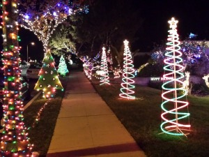 Where To See Christmas Lights In Los Angeles Town Square Real  - Christmas Lights In La